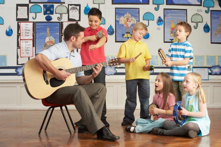 teacher jobs: most schools teach the UK curriculum, or national curriculum